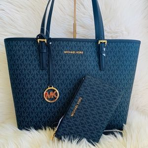 Michael Kors Carryall Tote With Matching Wallet